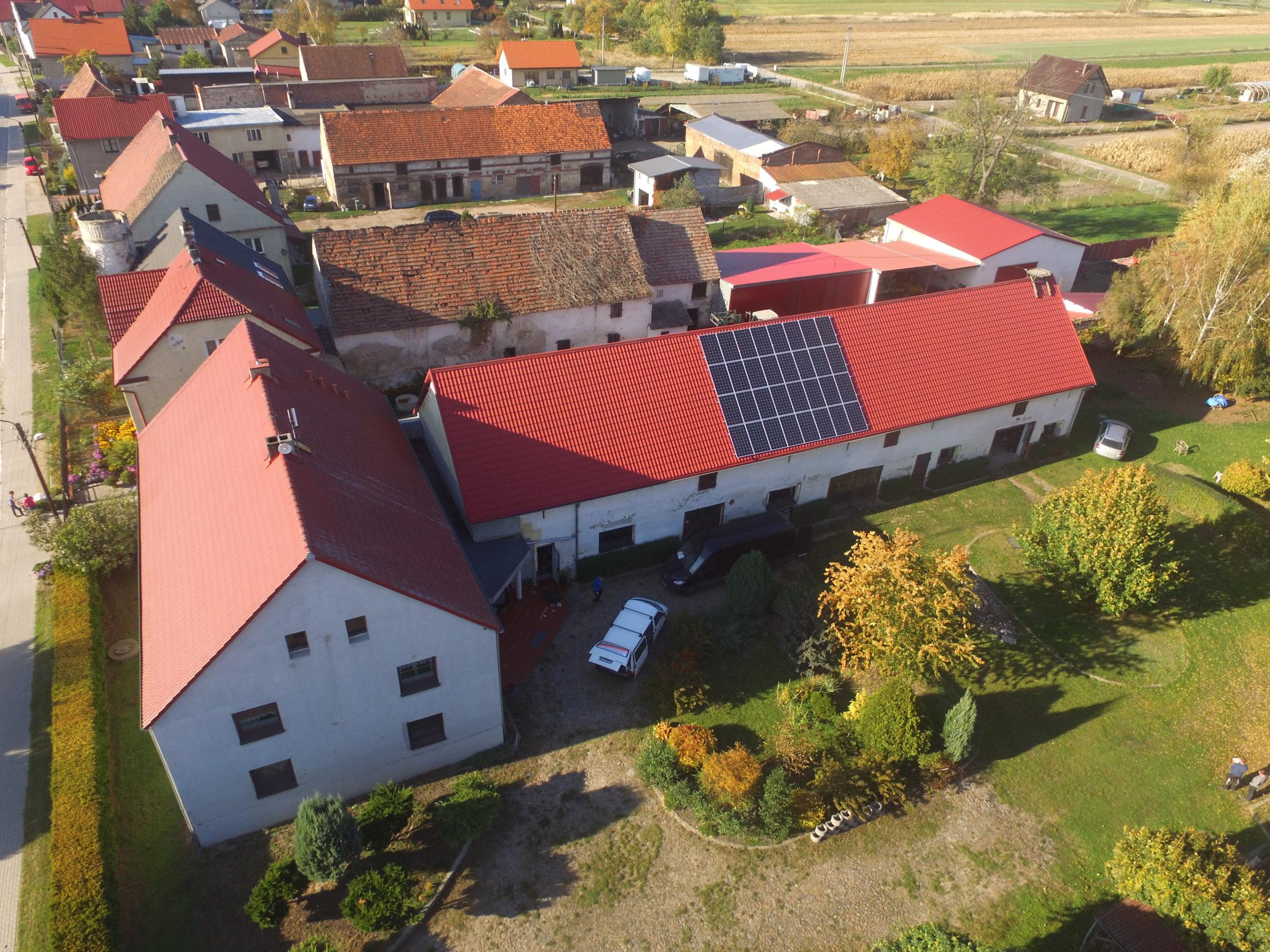 Instalacja fotowoltaiczna o mocy 10 kWp na budynku gospodarczym, Jankowice